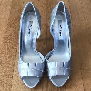Never worn, Nina Elanna silver glitter heels, 9.5
